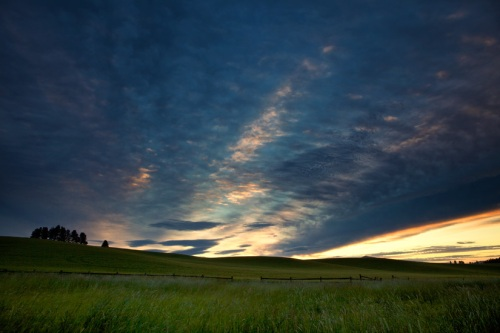 Clouds Fill the Morning Sky - Copyright Gary Hamburgh 2009 - All Rights Reserved