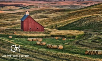 GHP_MG_7631-Barn-in-Evening-Glow_WM